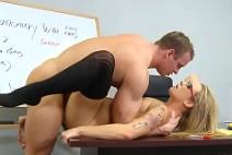 Porno no colegio do malhado arrombando a estudante nua