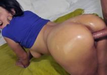 Colombiana gostosa na web gemendo no sexo