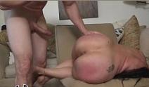 Gordinha mamando e sendo fodida com força