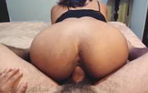 Porno gemendo muito com a ninfetinha rebolando na pica