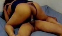 Vídeo pornô de menina nova da buceta molhada metendo